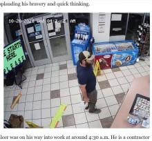 コンビニ強盗を客の元海兵隊員が一瞬で捕獲 「無駄な行動を取らないと教わった」(米)<動画あり>