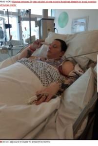 3か月の入院生活を強いられたサラさん(画像は『MyLondon 2021年10月8日付「Mum left disabled after C-section complications and now can't walk for more than 5 minutes」』のスクリーンショット)