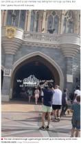 【海外発!Breaking News】シンデレラ城の立ち入り制限区域に忍び込んだインフルエンサー、半年間来園禁止に(米)