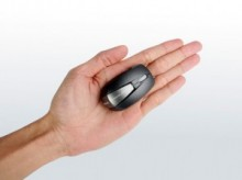 ネットブックに最適 名刺より小さい2.4GHzワイヤレスマウス