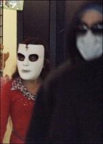 【イタすぎるセレブ達】マイケル・ジャクソン、子供達の外出にも顔面マスクを強要!