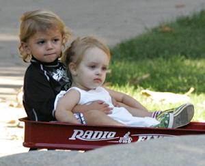 【イタすぎるセレブ達】ハリウッドご近所セレブの子供たち。ミニ・カップルまで超キュート!
