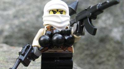 """【海外仰天ニュース】 """"絶対に買ってはいけない"""" LEGOがあった!自爆テロ・フィギュア大ひんしゅく。"""