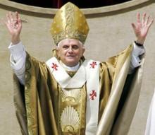 """【イタすぎるセレブ達】ローマ法王だって困ります!マドンナからとんだ""""捧げもの""""。"""