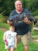【海外仰天ニュース】米国発、3歳児のおもちゃの釣り竿が81cm巨大ナマズを釣る!