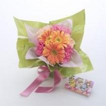 """幻のかんしゃポケモン""""シェイミ""""をイメージしたオリジナルブーケ「かんしゃ花束」を日比谷花壇が発売。"""