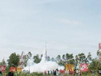 【アジア発!Breaking News】お祭が一転惨劇に。ロケットが頭を直撃(タイ)