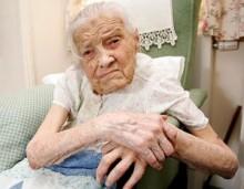 【海外仰天ニュース】英国発、105歳おめでとう。おばあちゃんは処女が自慢!