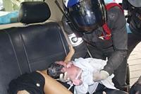 【アジア発!Breaking News】渋滞に巻き込まれ。タクシーの中で出産した妊婦(タイ)