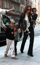 【イタすぎるセレブ達】アンジェリーナ・ジョリー in NY!以前より痩せちゃった・・・?